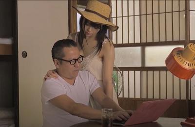 Cô cháu gái dâm người thành phố và ông chú nhà quê  Azusa Misaki