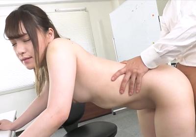 Nện chị đồng nghiệp vú bự Ren Kitazawa ngay trong phòng làm việc